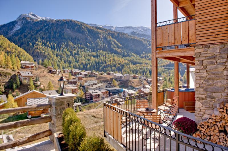 Chalet Pollux - close to Matterhorn Express station, Mountain Exposure Zermatt, vacation rental in Zermatt