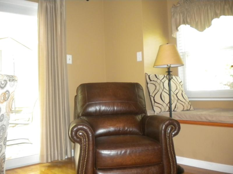 Second Family Room - Leather Recliner