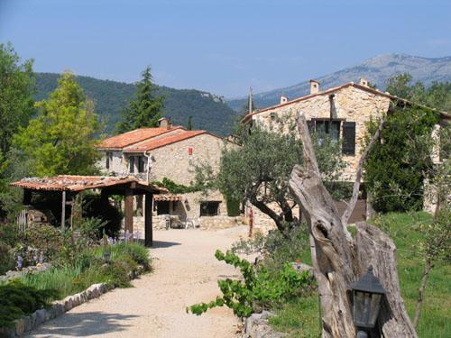 Breathtaking & Tranquil 2 Bedroom Farmhouse, Mas Du Bois Dore, Mons, holiday rental in Var