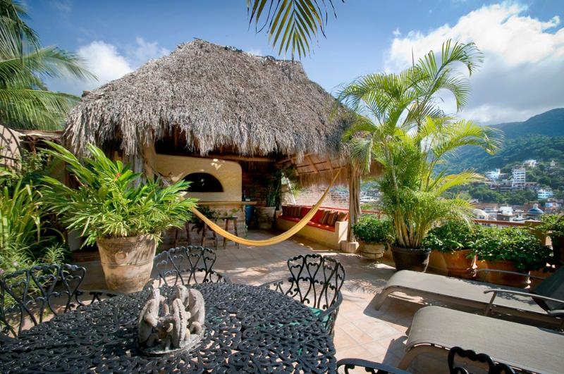 Rooftop Palapa with wetbar