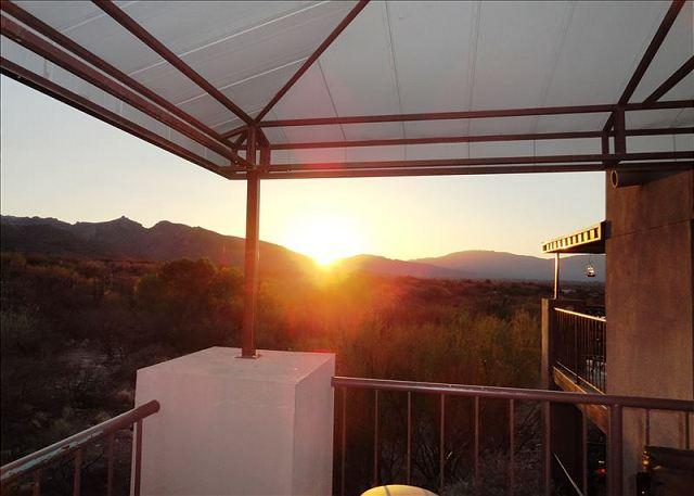 Spectacular Views-Golf-Hike-Cycle  Enjoy Tucson at its Finest!, holiday rental in Tucson