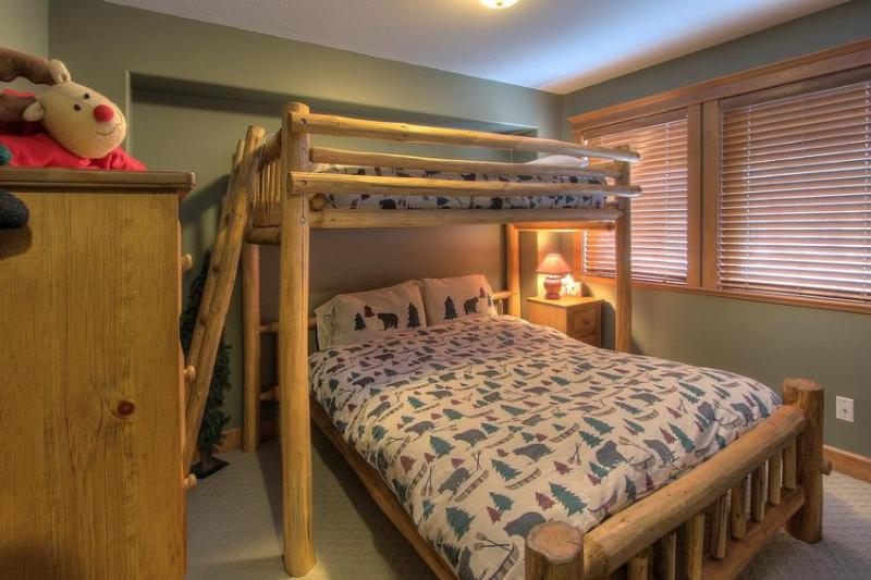 Guest bedroom on entry level