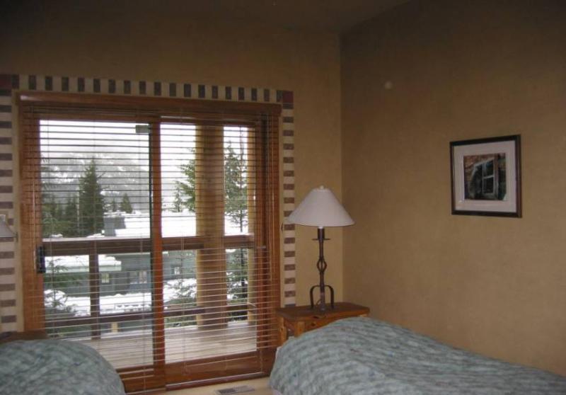 King split bedroom, 1 king or 2 singles