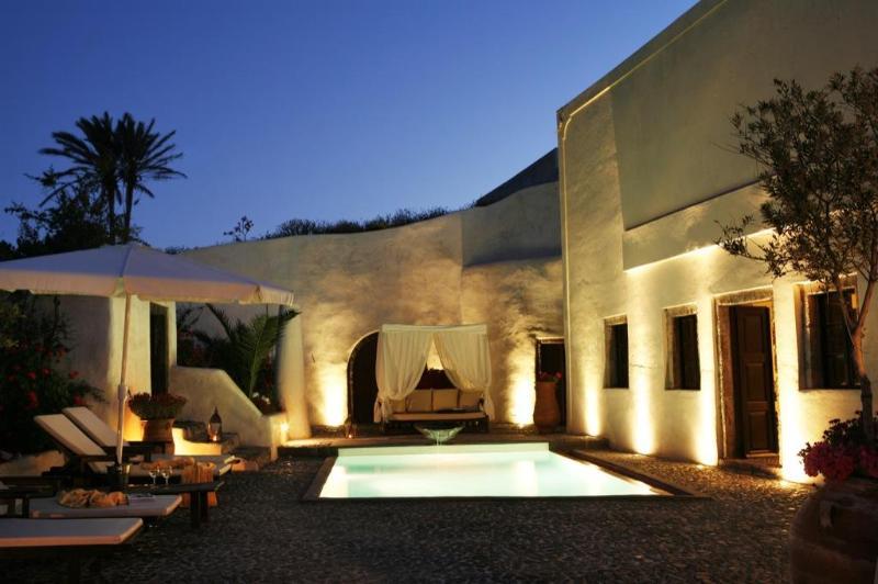 Mansion Sophia in Santorini- Car & Private Transfer included, Ferienwohnung in Santorin