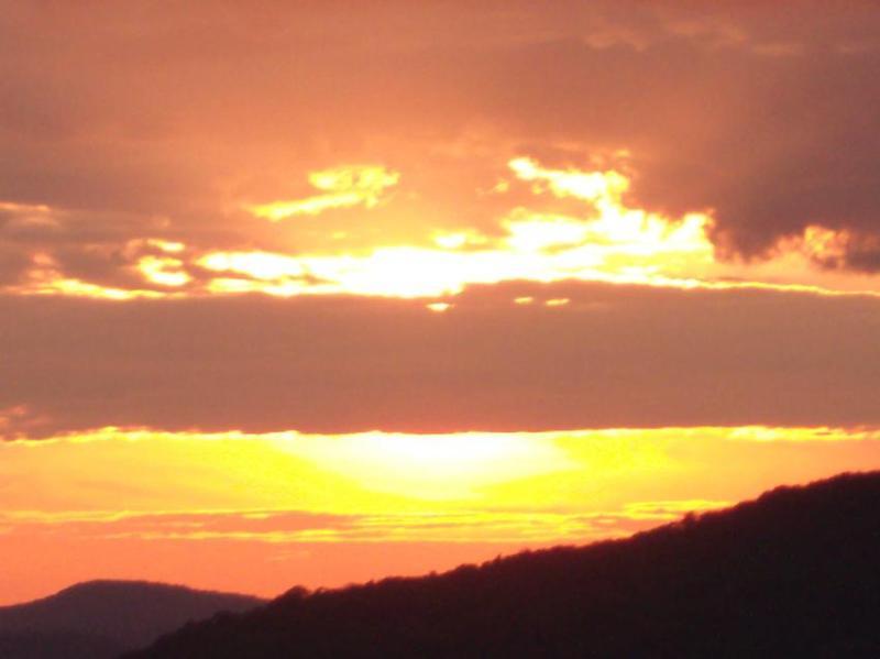 Je raadt het al... Zonsondergang vanaf het terras!