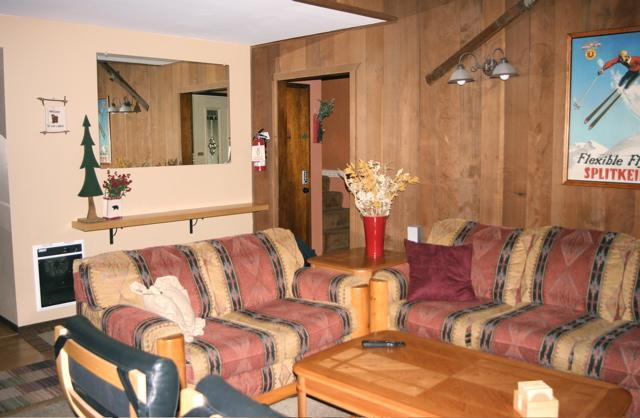 2 BR+ Loft Mammoth Condo from $210/n  Winter, holiday rental in Mammoth Lakes