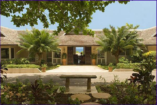 Great River House - Montego Bay 5 Bedrooms, location de vacances à Montego Bay