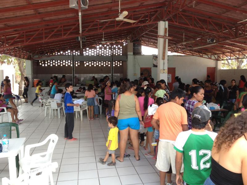 Feeding the Children of the dump Colonia Magisterio