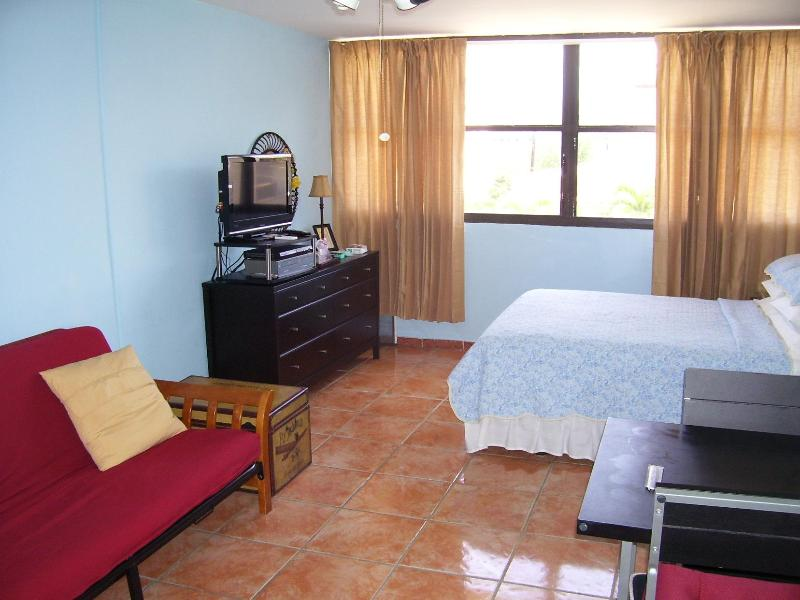 Vacation Hot Spot, holiday rental in Isla Verde