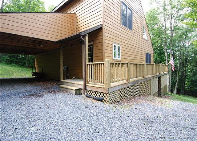 Affordably priced and amazingly nice mountain cottage offers peace and quiet., holiday rental in Canaan Valley