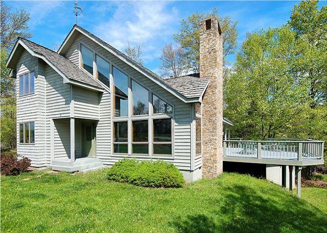 Spectacular House~Convenient Location~Perfect!, holiday rental in Canaan Valley