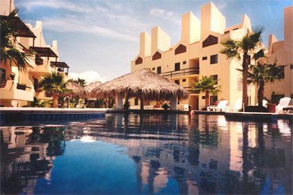 Condo on golf course, walk to beach, location, location, location!!, holiday rental in San Jose del Cabo