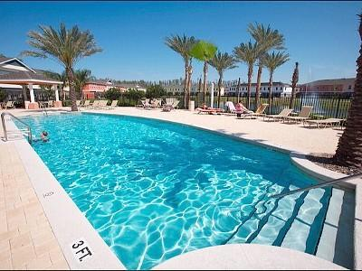 Community Heated Pool and spa(just 100 feet away from unit)