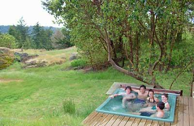 Private Hot tub at Sunny Knoll, view to Canada