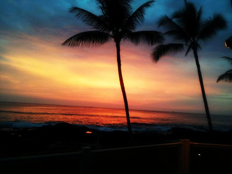 One Of Kona Reef's Beautiful Sunsets