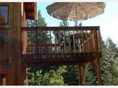 Deck on Living Room - Nice to sit out with a glass of wine and watch the wildlife, mtn views and sunset skies