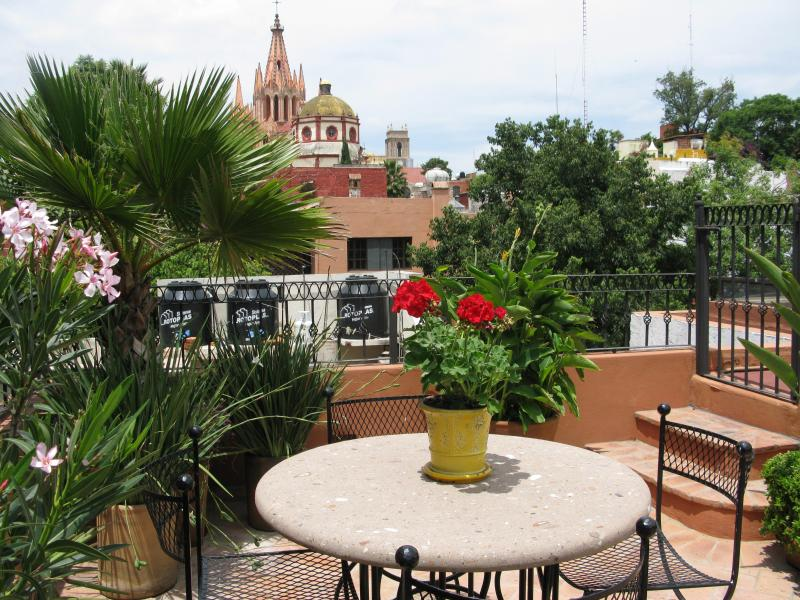 Casa Carolina del Sur.....3bdrm/3bth in Centro, holiday rental in Guanajuato