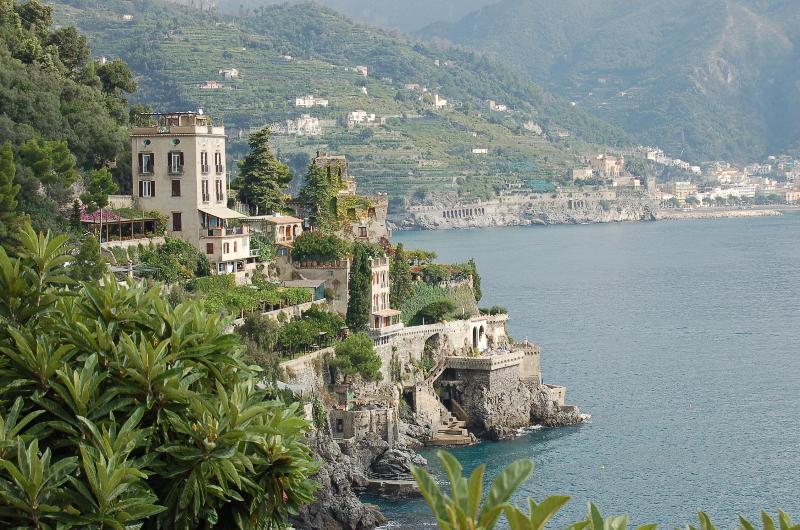 DIMORA DI MARE LUXURY VILLA  RAVELLO, ELEVATOR, PRIVATE SEA ACCESS, JACUZZI POOL, vakantiewoning in Ravello