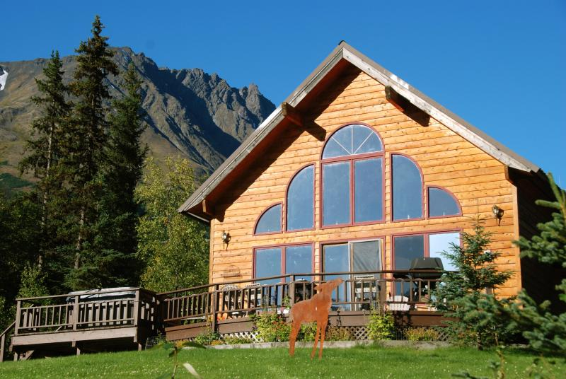 Awesome View Spruce Moose 2 Chalets w/ hot tubs, aluguéis de temporada em Moose Pass