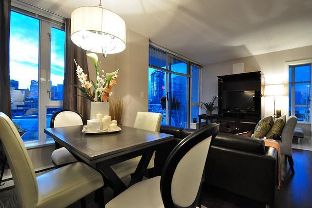 Luxury 2 bedroom Harbour View Apartment Crosstown, vakantiewoning in Vancouver