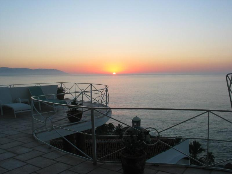 Quinta Encantada - Breathtaking Views of the Bay, vacation rental in Puerto Vallarta
