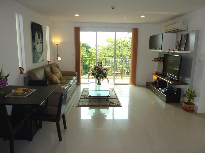 The Silk - Nice 2 Bed 2 Bath Condo central Bangkok – semesterbostad i Bangkok