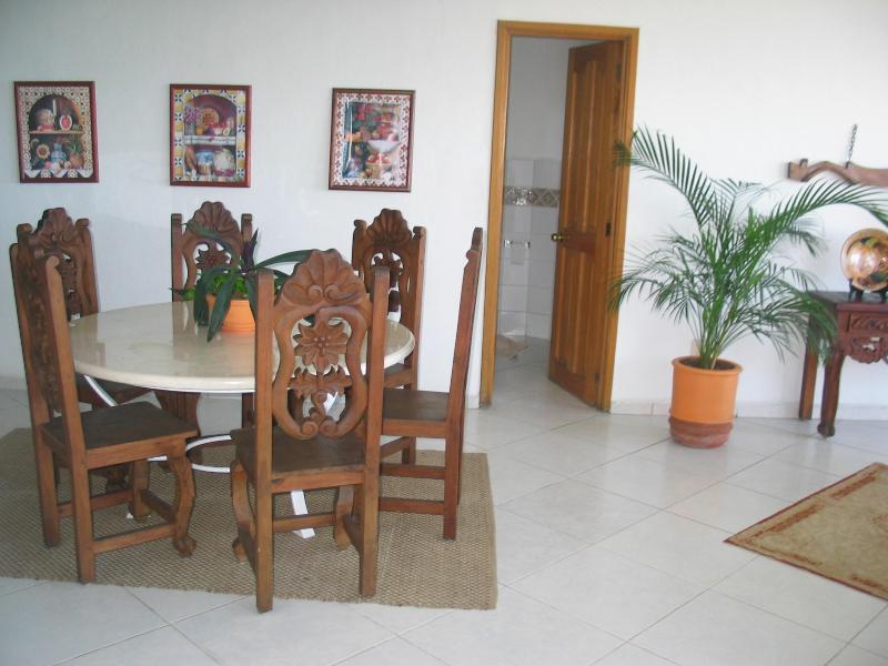 Casa Carter Dinning Area
