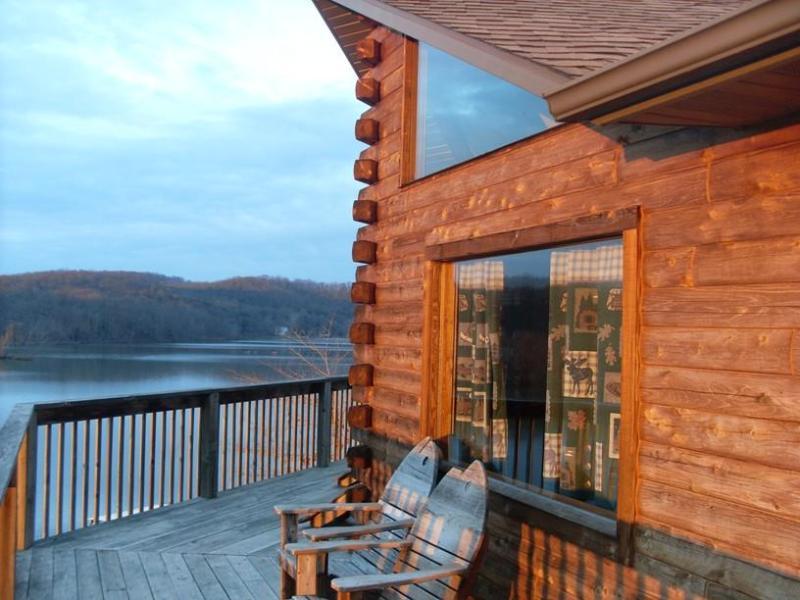 Bovenste terras met uitzicht op het meer!
