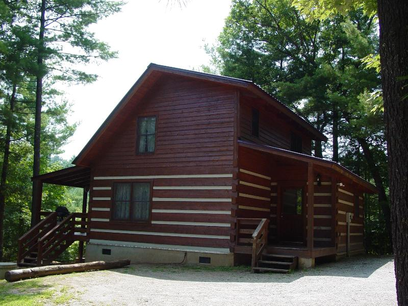 Serenity Ridge Cabin - Secluded Log Cabin With Mountain View