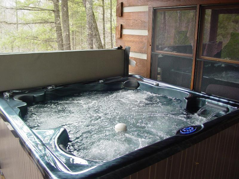 6 Person Brand New Hot Tub - Located on Covered Porch