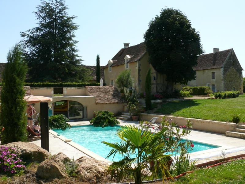 Swimming-Pool and Cottage de La Villate