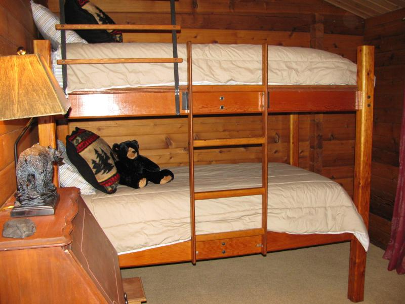 Cucheta habitación camas literas