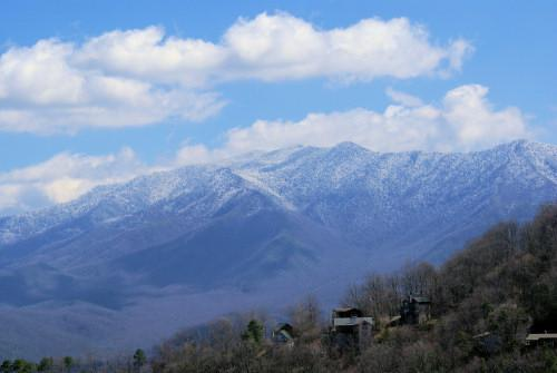 Enjoy gorgeous, direct views of famous Mt LeConte and Ober Gatlinburg ski area