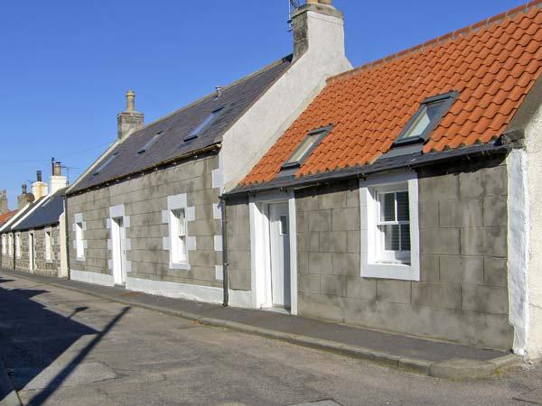 85 SEATOWN, family friendly, character holiday cottage in Cullen, Ref 4516, location de vacances à Portsoy