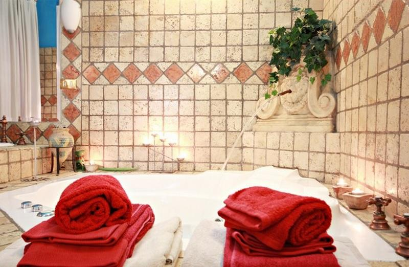 SPA Studio Near Trastevere Jacuzzi, WiFi A/C Patio, holiday rental in Rome