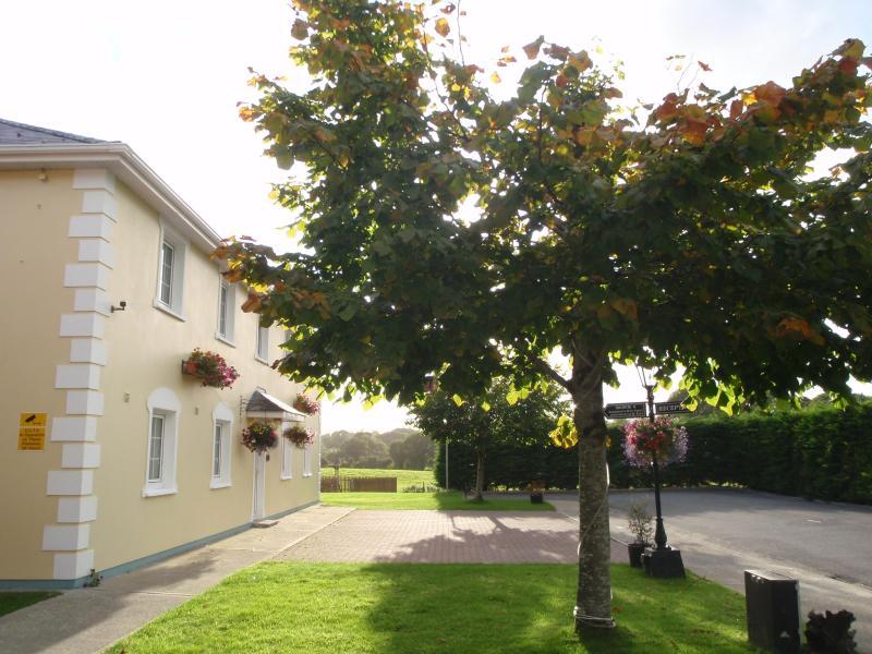College Street Apartment, Killarney, Ireland - uselesspenguin.co.uk