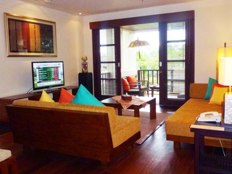 NUSA DUA LUXURY 2 BEDROOM APARTMENT, vacation rental in Nusa Dua Peninsula