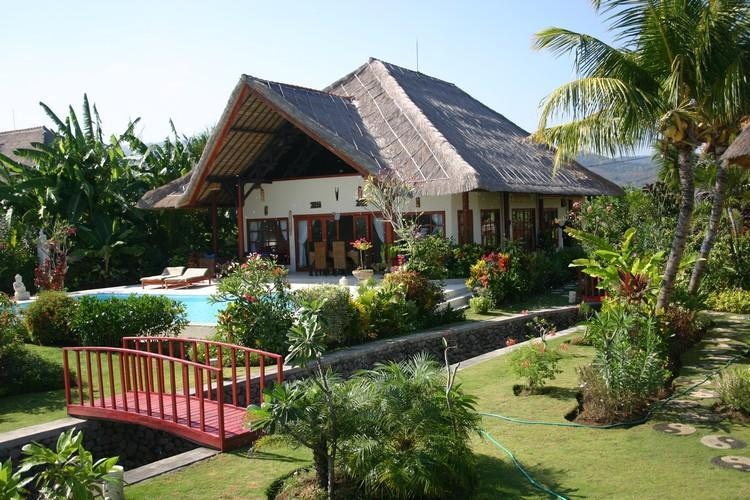 Villa Nais, holiday rental in Lovina Beach