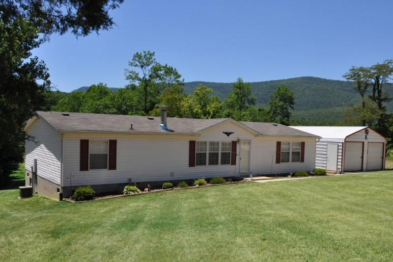 Luray cabin rental - River front cabin with beautiful mountain views