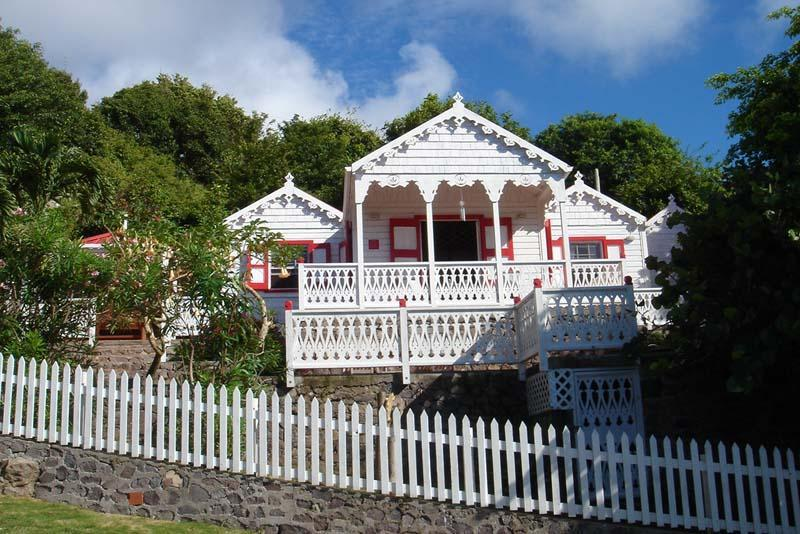 Flamboyant Cottage, Saba - Great View & Pool!, holiday rental in St. Eustatius