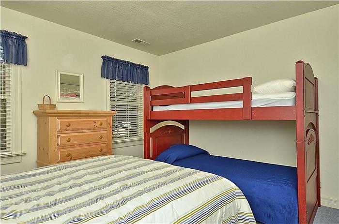 4th Bedroom Queen and Bunk set