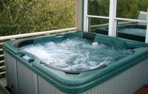 Hot Tub for 6