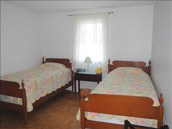 Bedroom (Twins)