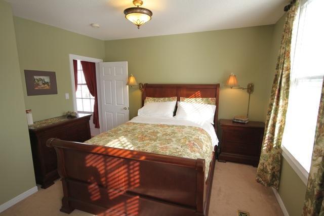 Queen Bedroom....with sleigh bed