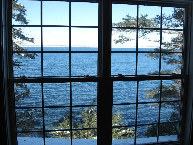 Nova Scotia 2 bedroom cottage on the Ocean, holiday rental in Guysborough