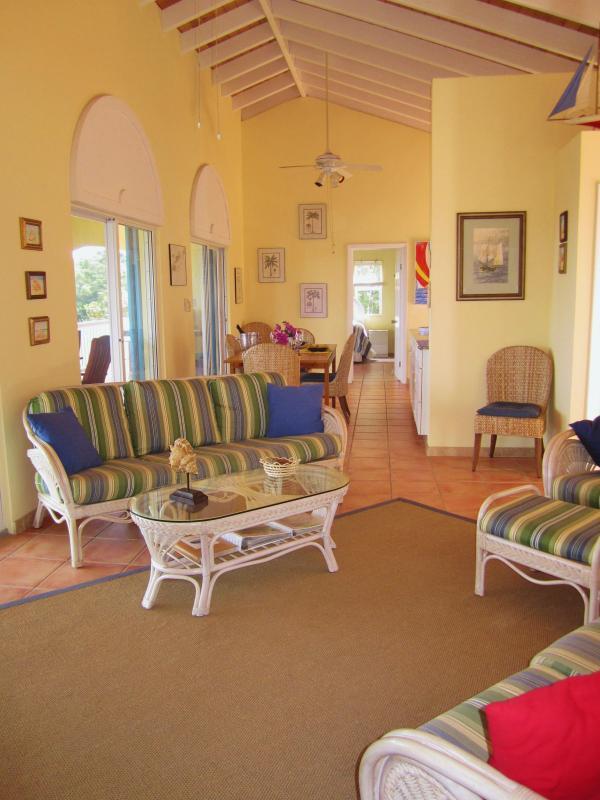 Relaxe com uma HDTV, DVD e Ipod na confortável sala de estar da sala muito grande ft 31