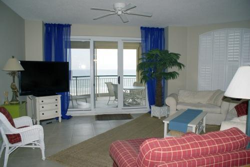 Spacious, light filled living area with Gulf Views