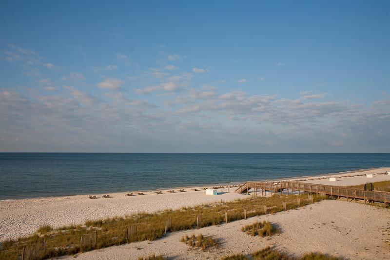 Beach Colony! Oceanfront Condo, 3rd Flr, 3 Swim Pools, 1 Htd, Covered Parking, holiday rental in Perdido Key