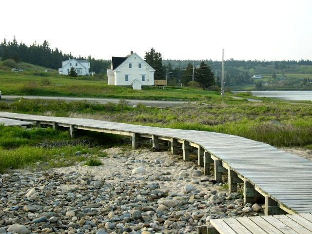 boardwalk below Gladee's
