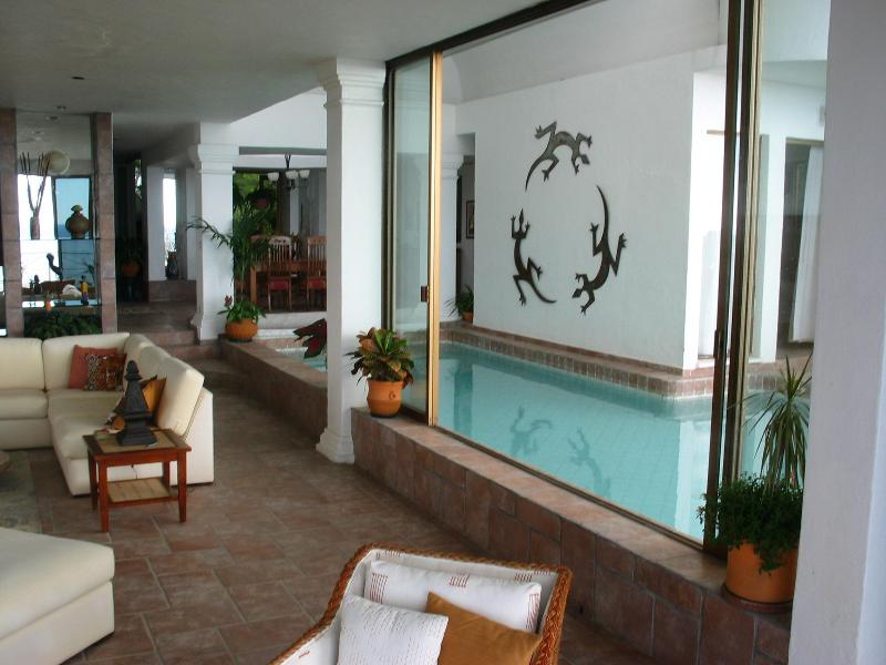 Casa Leah Wohnzimmer und Pool
